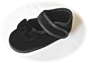 Babys black velvet shoes