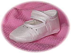 Girls' classic christening shoes